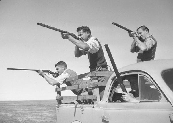3 men guns 75